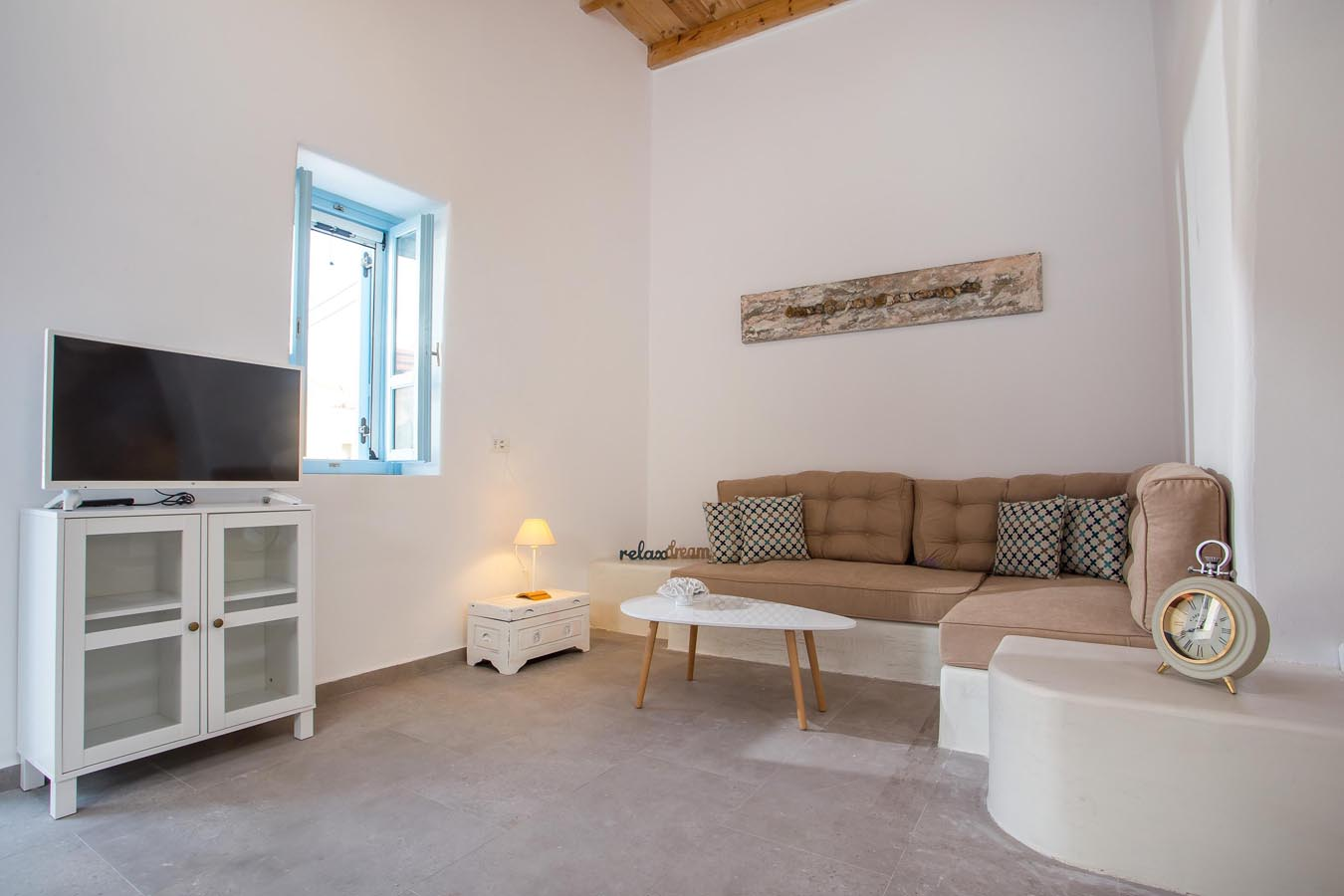 Rhodes Holidays Traditional Luxury Home 11